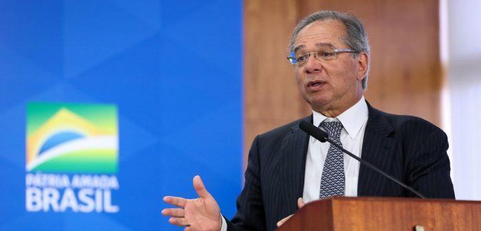 """Ministro Paulo Guedes quer aprovar """"nova CPMF"""" no Congresso"""
